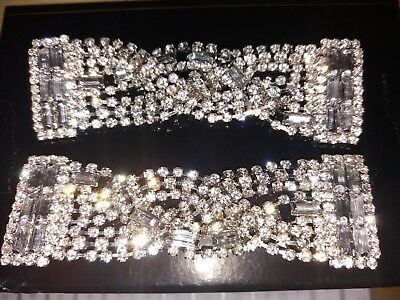 A Pair Of Crystal Rhinestone Twisted Design Shoe Clips