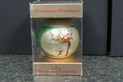 "Vintage 1976 Hallmark "" Norman Rockwell""  Glass Bulb Christmas Ornament w/Box"