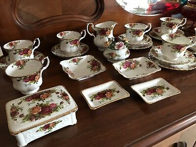 Vintage Royal Albert 'Old Country Roses'