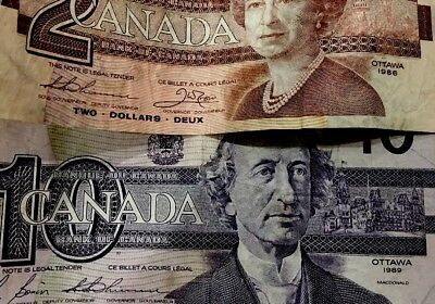 10 & 2 Canadian Dollar Bank Notes