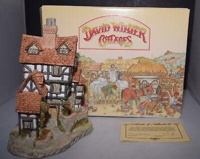 Squires Hall - David Winter Cottage Collection 1985 - Retired