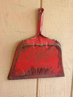 RED Vintage Metal Dust Pan Built to last a lifetime Kitchen Garage  Use or Decor