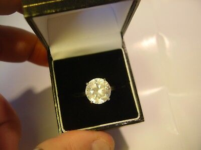Stunning 14 Ct Ct White Gold Ring-Best Quality Big Sparkly Stone-Size 01/2-Old