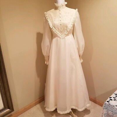 Vintage 70's Wedding Gown - Off White - Sz 4- Excellent Condition