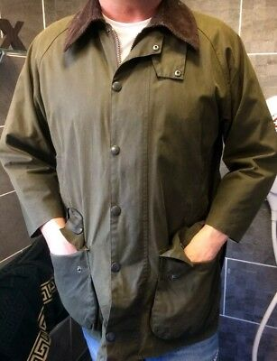 Barbour Classic Beaufort Jacket Size C40 Olive With Detachable Hood
