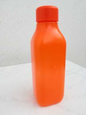 Tupperware. Botella ecologica 500 ml. Color naranja