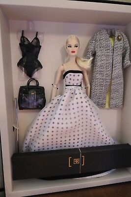 Royal Treatment Veronique Perrin Dressed Doll Gift Set NRFB