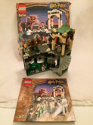 LEGO HARRY POTTER Forbidden Corridor 4706 3x mini figs & Fluffy COMPLETE BOXED