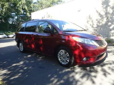 2014 Sienna XLE 2014 Toyota Sienna XLE LEATHER HIGHWAY MILEAGE HEATED SEATS SUNROOF