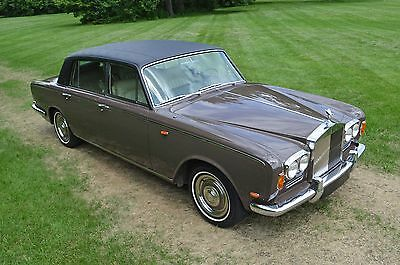 """1969 Rolls-Royce Silver Shadow - Long Wheel Base (""""LWB"""") - with DIVISION RESTORED - Factory """"Division"""". Collectable, VERY rare, spectacular example."""