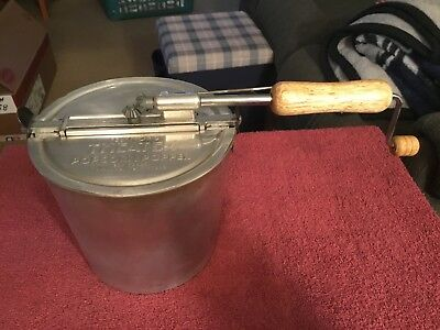 Vintage Felknor's Theater Hand Held Operated Popcorn Popper Knoxville Tennessee