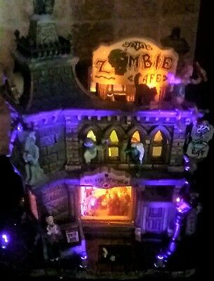 NEW in Box Lemax Spooky Town Zombie's Cafe #65346 with Adapter