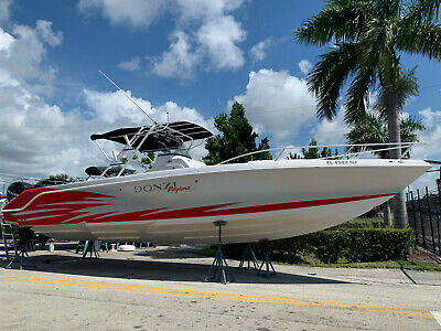 2006 Chaparral 330 35-foot updated upholstery no bottom paint We ship worldwide