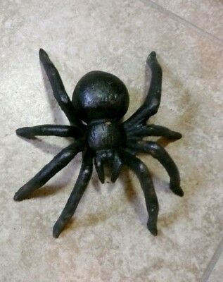Cast Iron Metal Tarantula Spider Insect Home Garden Halloween Wall Bug Decor