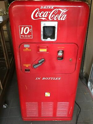 Original 1955 VMC 33 Coca Cola Vending Machine Complete Unrestored Condition