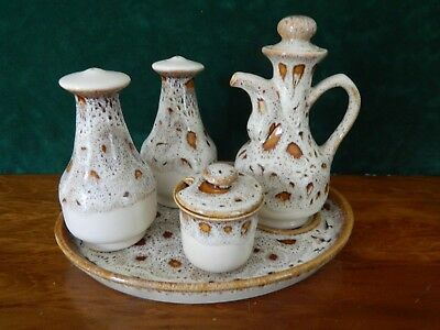 Fosters Blond Honeycomb 5 Piece Cruet Set.