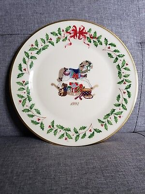 MINT vintage Lenox 1992 Christmas Collectors  Plate second in series
