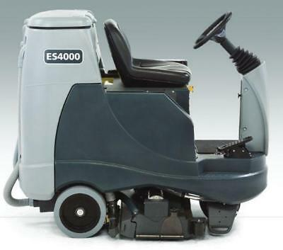 Advance ES4000 Battery Rider Extractor with wet batteries