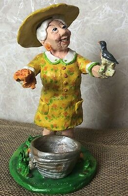 Garden Grandma Statue Outdoor Yard  Figurine Patio Lawn Ornament Home Decor
