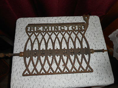 Antique Vintage Rare Remington Ilion Ny Cast Iron Treadle Foot Pedal With Rod