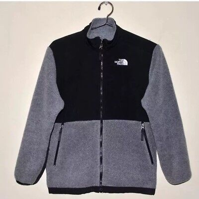 55d5fac71 BOY'S SIZE SMALL Black THE NORTH FACE Denali Jacket Gently Worn ...