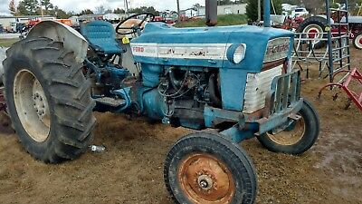 Ford 4000 tractor Good