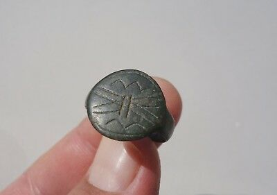 ancient Byzantine / Middle Ages bronze ring, a beautiful carved