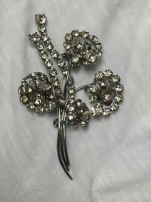 Large Vintage 1940s clear glass rhinestone flower brooch silver tone good cond.