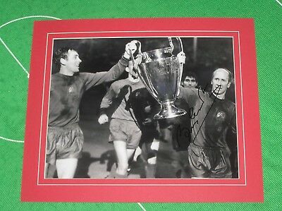 Bobby Charlton Signed & Mounted Manchester United 1968 European Cup Final Photo