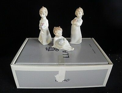 Lladro MINI CAMISONES Christmas Morning Ornaments #5940