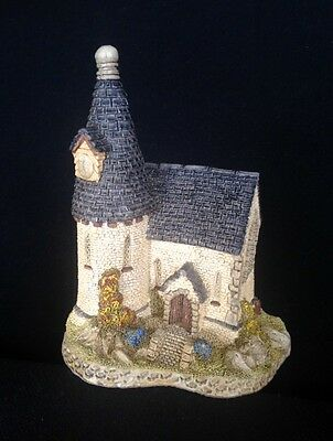 David Winter ~ THE CHAPEL  ~ MIB~ COA ~ ISSUED 1984 ~ 34 YEARS OLD ~ PERFECT