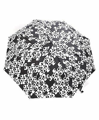 Black & White Cubes Wind-Resistant Compact Umbrella