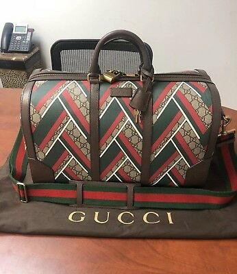 3bfd5e54a21a AUTHENTIC GUCCI SUPREME GG Canvas CHEVRON Duffle Carry-On Bag ...