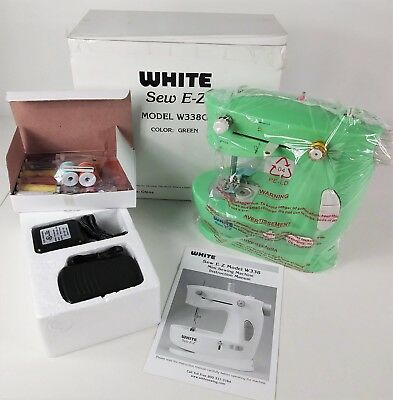 SINGER QUIKFIX PORTABLE Complete Mending Sewing Machine 4040 Awesome White Sew EZ Mini Sewing Machine