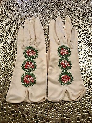 1950's Vintage Antique White Gloves, Embroidered Flowers, S-M