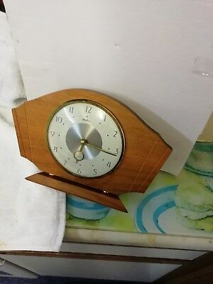 (107)      Wooden Mantle Clock (New) Made By Bentima