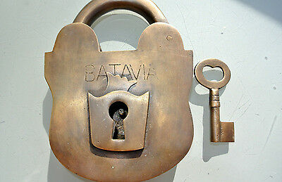 "5"" PADLOCK BATAVIA large Vintage stye old antique solid brass key heavy works"