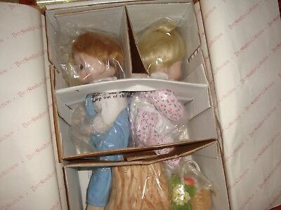 Vintage Hamilton Collection Precious Moments 2 Doll Set Love One Another W/box