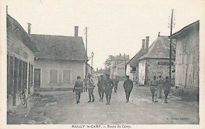 CPA - France - (10) Aube - Mailly-le-Camp - route du Camp
