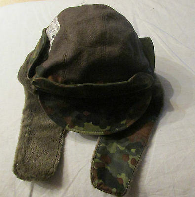 GERMAN ARMY GREEN AND BROWN   WINTER CAP/HAT WITH EAR FLAPS Size 57 (7 1/8 USA)