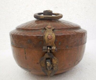 Vintage Antique old Collectible  Handcrafted Copper Engraved Chapati Bread Box
