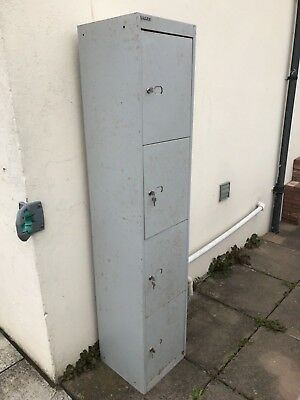 Bisley grey metal lockers -  rusty (Collect from Chepstow)