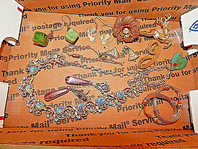 Vintage lot of jewelry ALL wear now #1959 Get your Holiday on! Outstanding lot