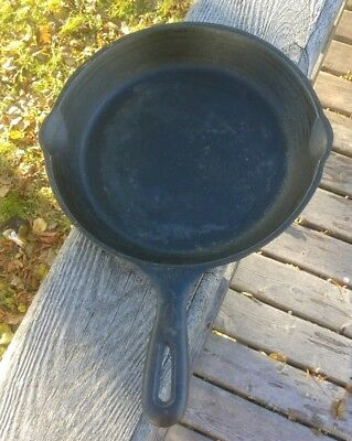 Vintage Cast Iron Skillet Made in Taiwan