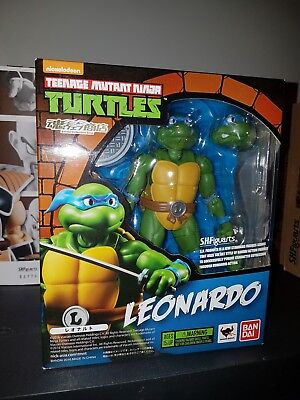 Bandai Teenage Mutant Ninja Turtles TMNT Leonardo SH Figuarts