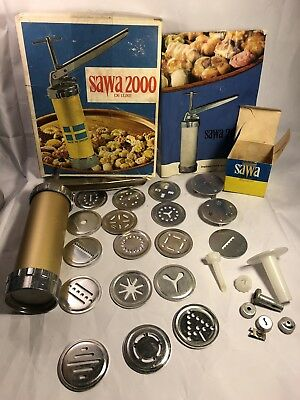 Vintage Sawa 2000 Deluxe Sweden Cookie Press Decorator Complete w Extras & Book