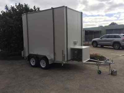 .10ft X 6 Foot - Mobile Trailer - Portable walk in Cool Room Equipped inc Gantry