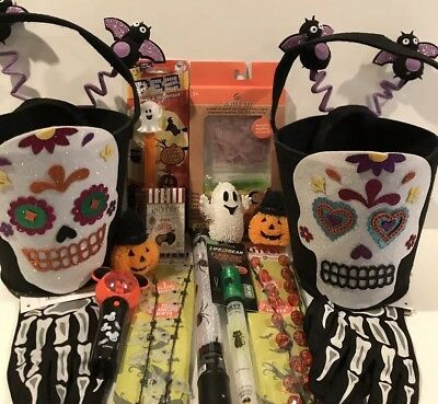 Halloween Assorted Gift Pack Lot Of 17 Items New Free Shipping