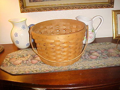 Vintage! 1990 Large Longaberger Apple Gathering Basket wt Inverted Bottom