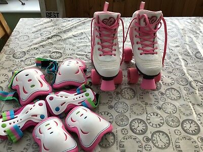 Girls RIO ROLLER BOOTS ROLLER SKATES SIZE 3 WITH PADS. In Great Condition